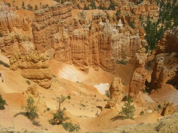 Blick in einen Talkessel im Bryce Canyon.