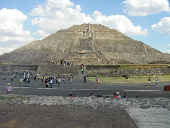 Sonnenpyramide in Teotihuacan.