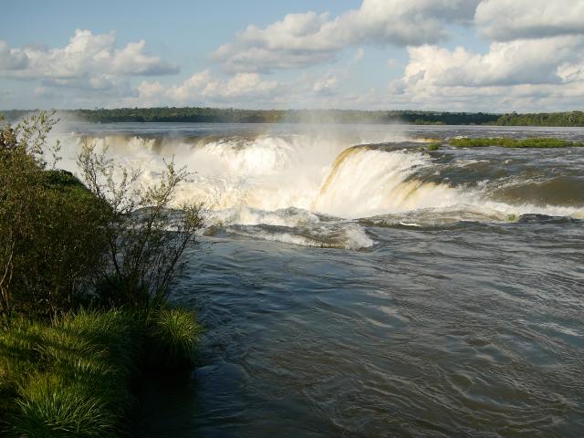 Der Schlund mitten im Fluss