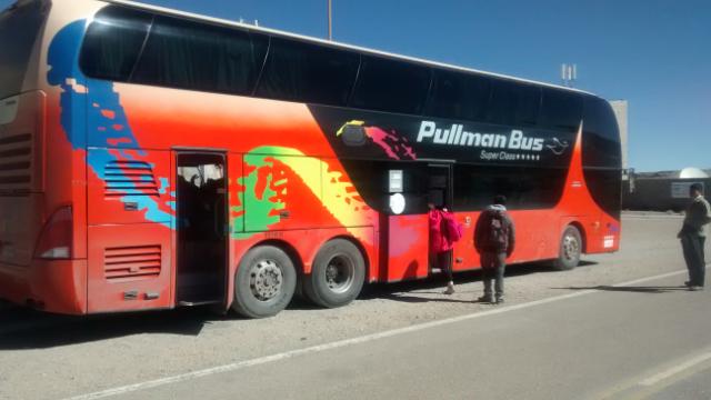 Der Bus wartet geduldig - zum Glück! ;-)