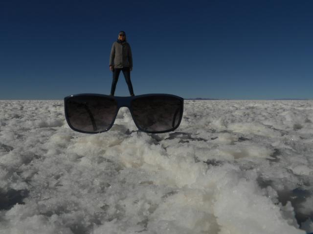 Eine Sonnenbrille kann gar nicht groß genug sein