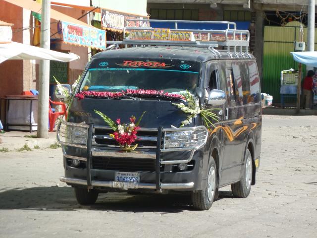 Geschmücktes und gesegnetes Fahrzeug