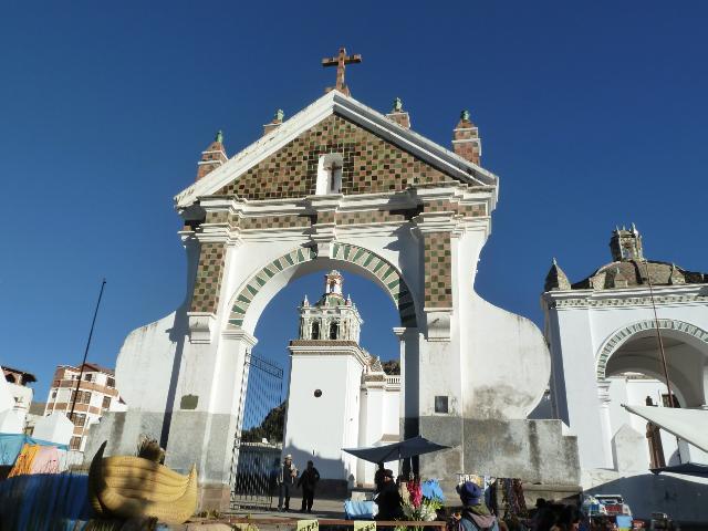 Stattliche Kirche für den kleinen Ort