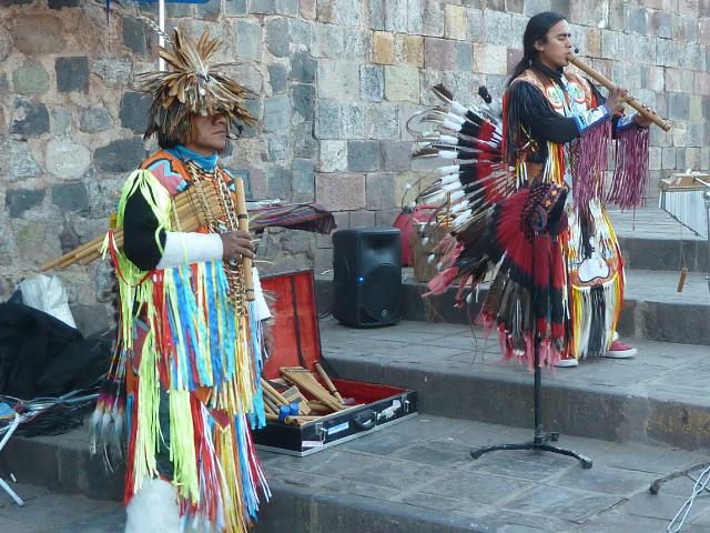 Musikanten im Inka-Look