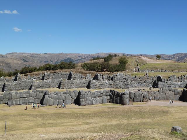 Dreifache Befestigungsmauern in Sacsaywamán