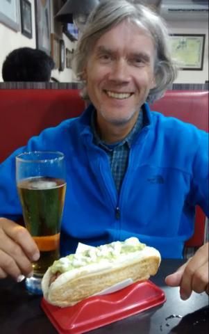 marcus mit Bier und Completo.