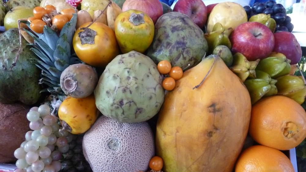 bunte Früchte auf dem Markt in Peru.