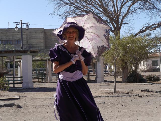 Gina in historischem Kostüm.