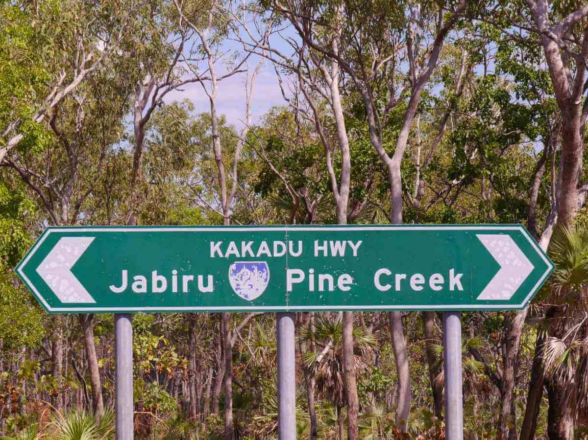 Straßenschild des Kakadu Highway.