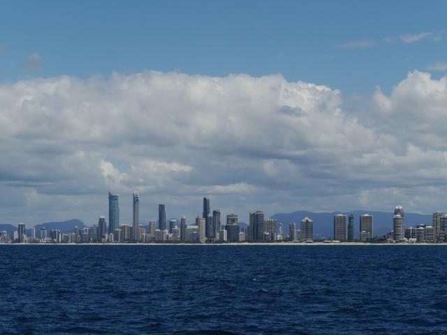 Blick auf die Skyline von Surfer's Paradise.
