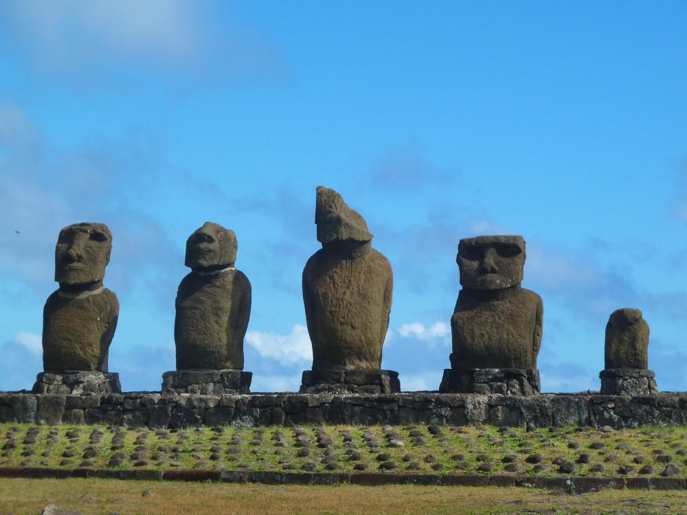 Moai-Statuen auf der Osterinsel.