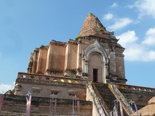 Vom Erdbeben zerstörter Chedi