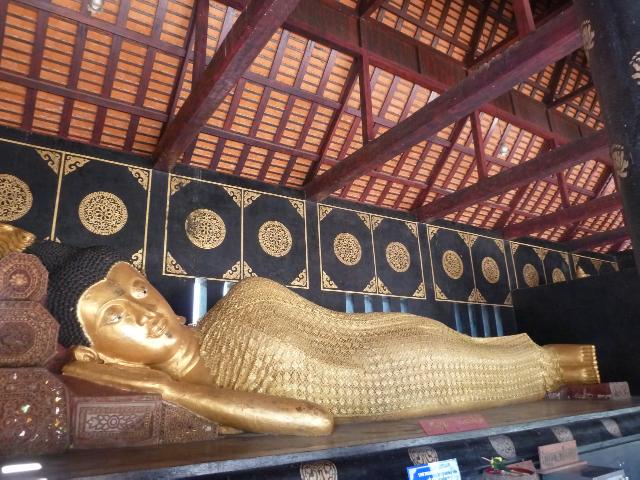 ... liegender Buddha...