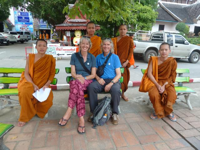 Gruppenbild mit Mönchen