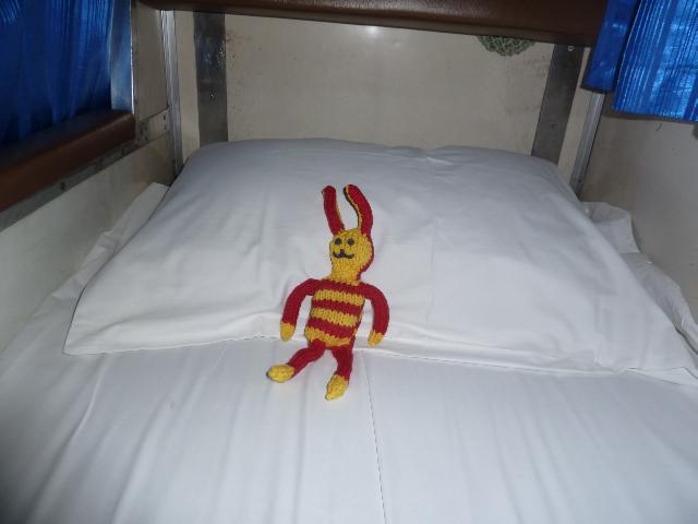 Reise-Ringel im Bett im Zug nach Chiang Mai