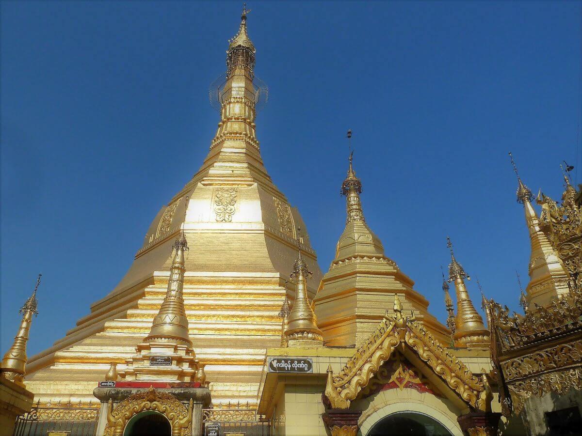 goldene Kuppeln der Sule-Pagode