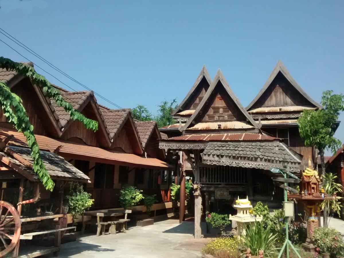 Holzhäuser im Thai-Stil.