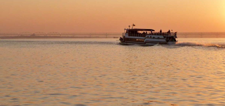 Mit dem Schiff von Bagan nach Mandalay