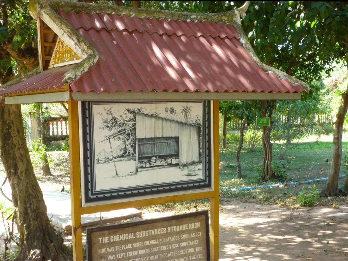 Tafel mit Zeichnung einer Hütte und erläuterndem Text.