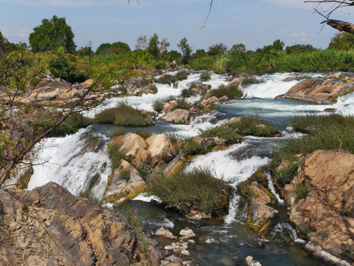 breiter Wasserfall