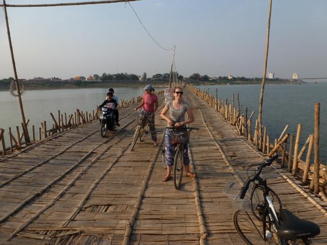 Kampong Cham Bambusbrücke Räder