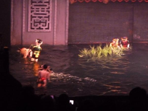 Szenenbild aus dem Wasserpuppentheater.