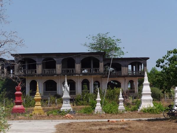 Bauruine des Königspalasts in Champasak.