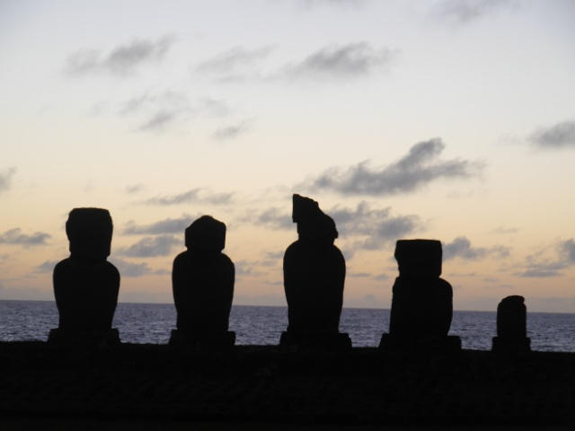 Weltreise Osterinsel Moai
