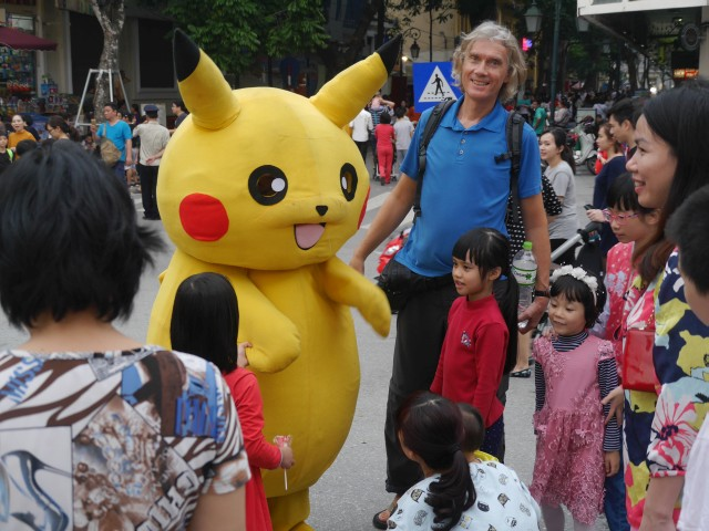 Reisekosten Vietnam Hanoi Straßenfest