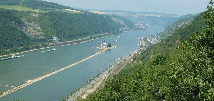 Rheinsteig wandern am Mittelrhein
