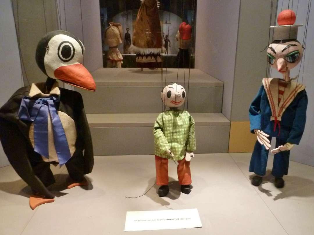 Pinguin und andere Puppen