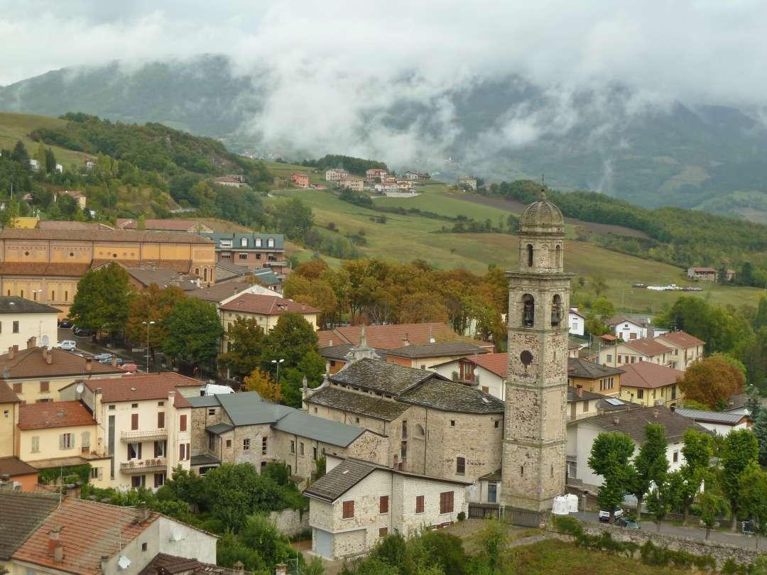 Dorf Bardi