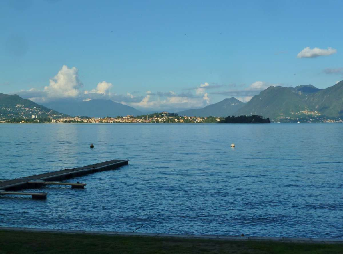 Lago Maggiore im Abendlicht.