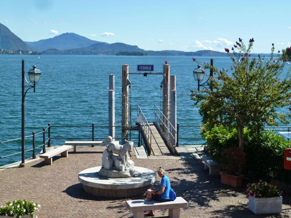 Schiffsanlegestelle in Feriolo.