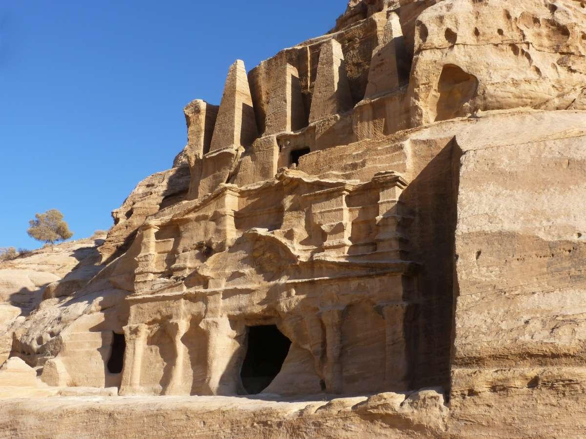 Das Obeliskengrab auf dem Weg nach Petra