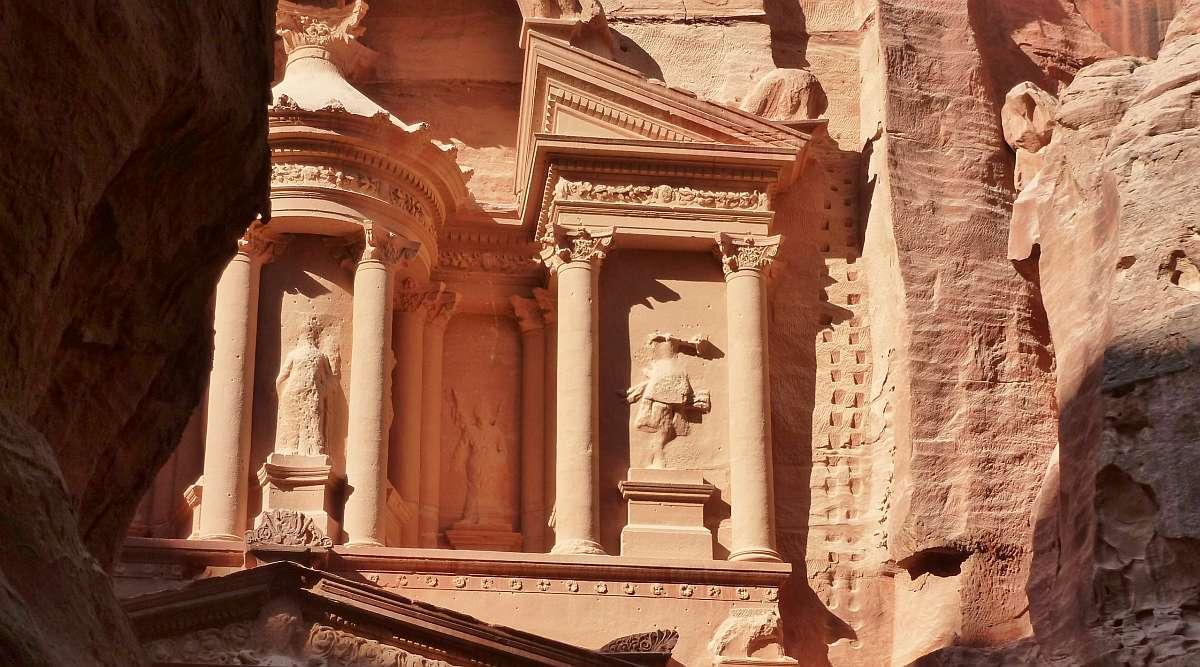 Die Felsenstadt Petra – Jordaniens Weltwunder