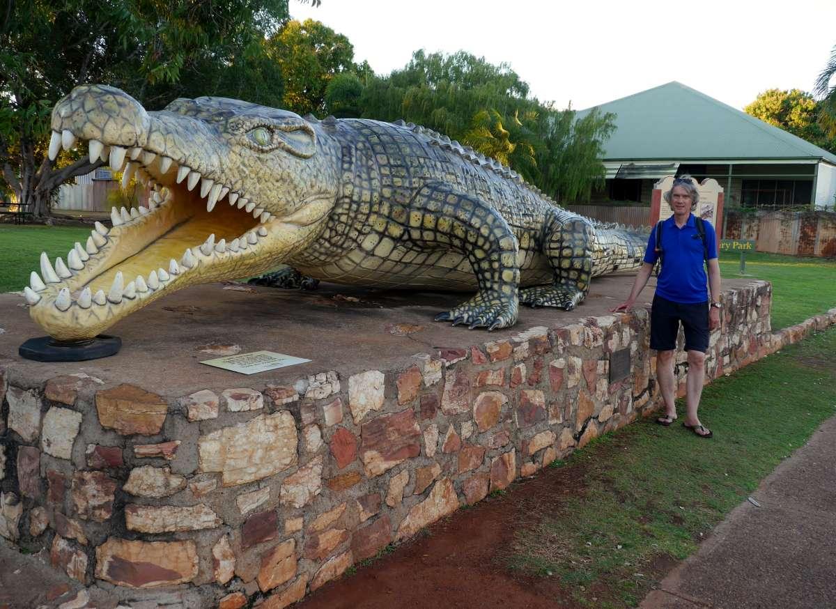 Modell des größten jemals gefangenen Krokodils. Es war 8,63 m lang!