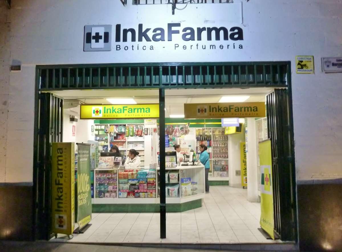 Apotheke in Peru mit Schild InkaFarma