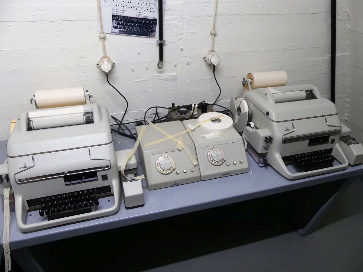 Alte Telex-Geräte