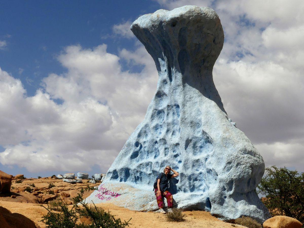 Riesiger blauer Felsen