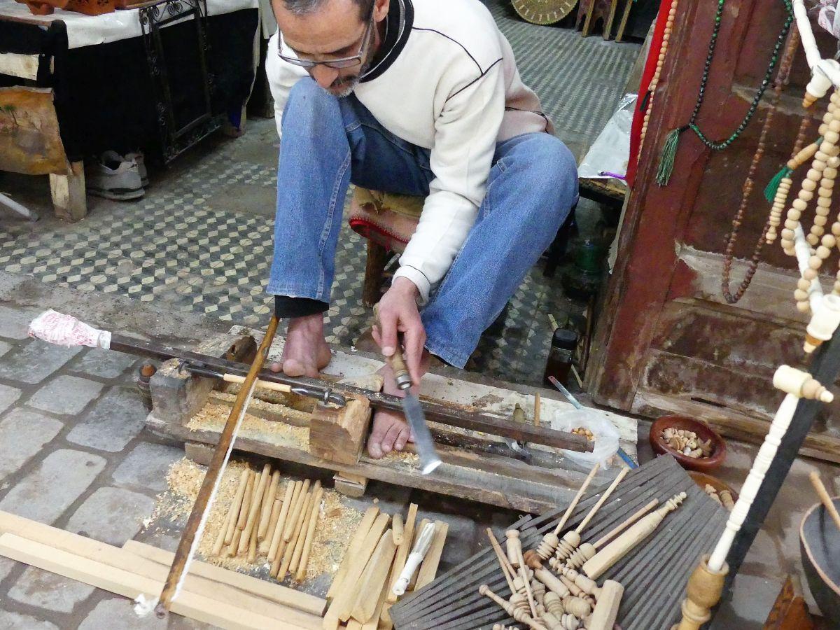 Holzdrechsler bei der Arbeit