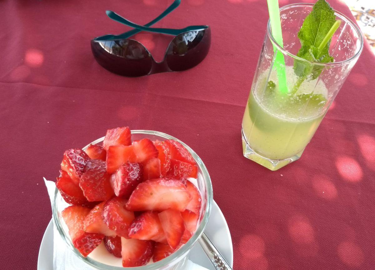 Erdbeerjoghurt und Minzlimonade