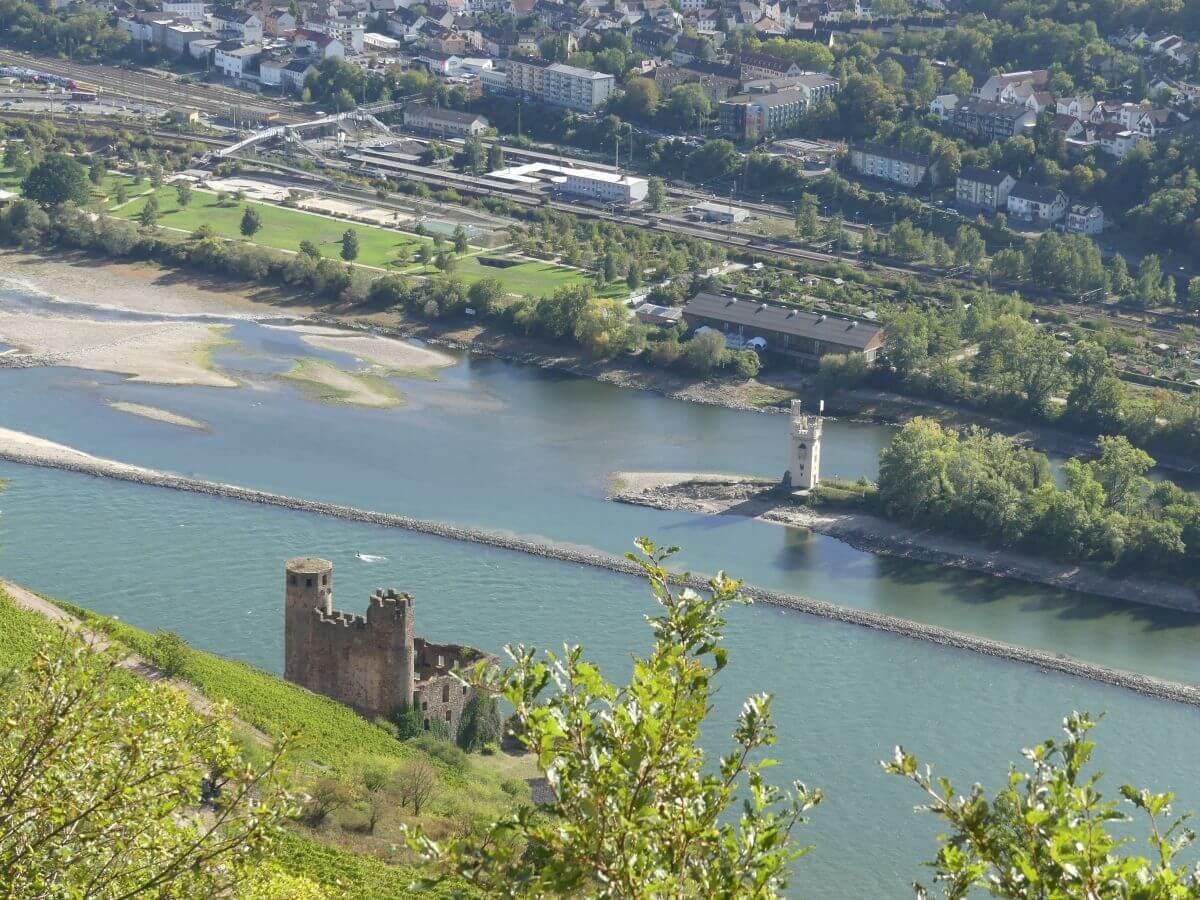Der Rhein mit dem Mäuseturm von Bingen