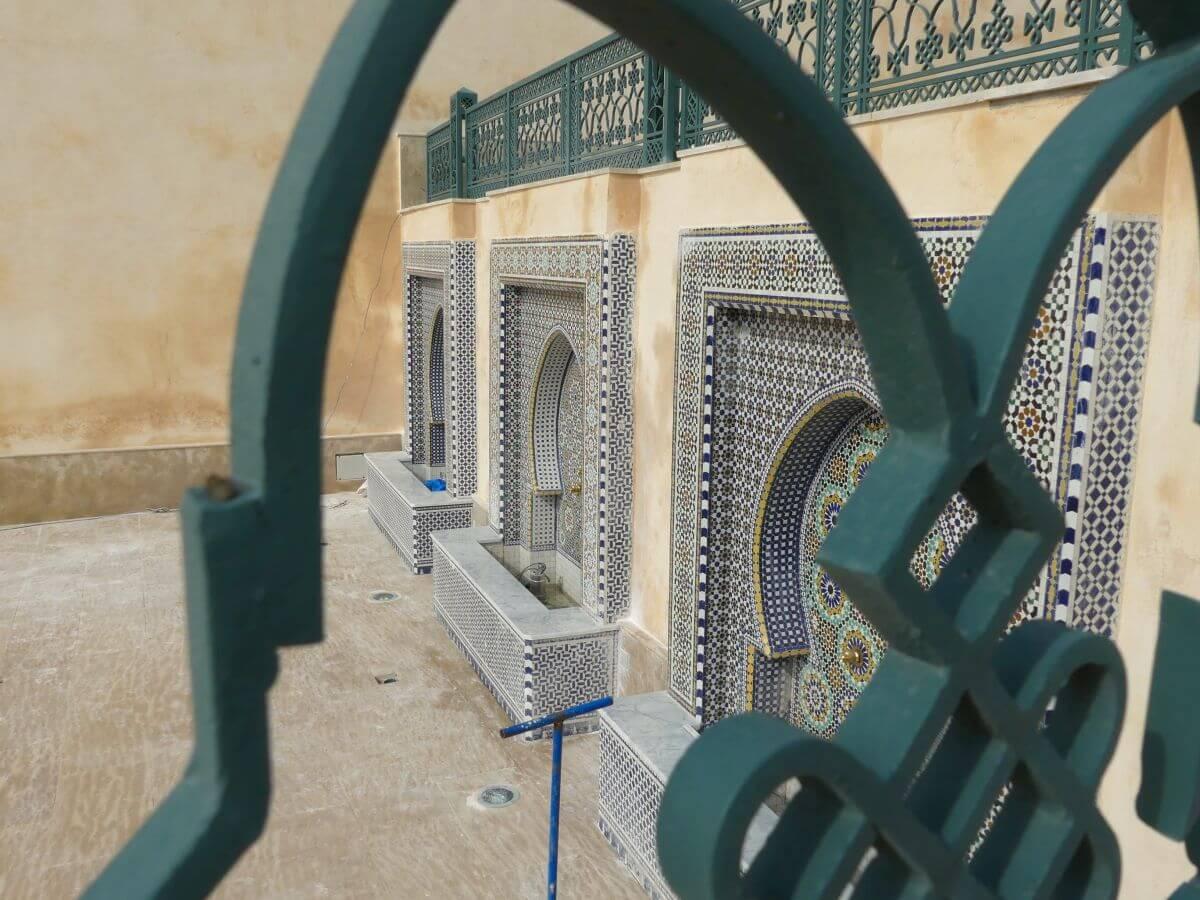 Mosaikgefasste Wandbrunnen