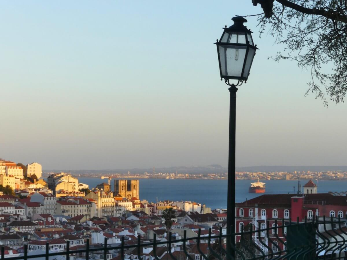 Blick auf Lissabon im Abendlicht.