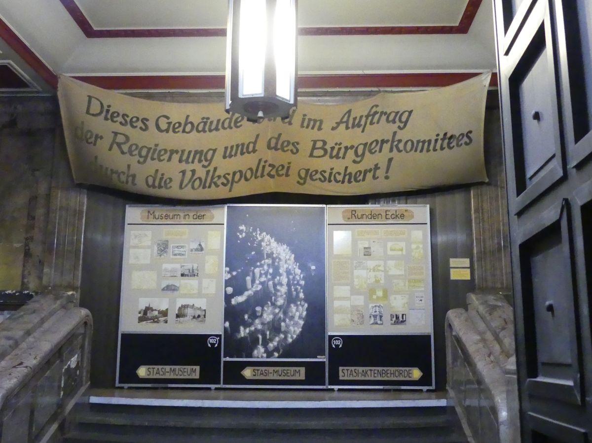 Treppenhaus des Stasi-Museums.