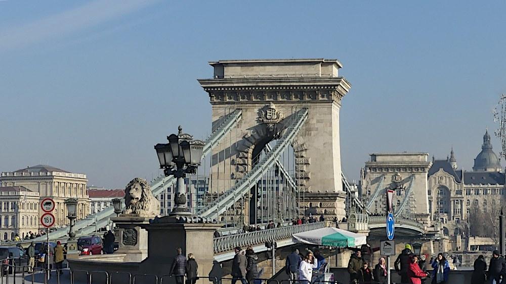 Die Kettenbrücke in Budapest.