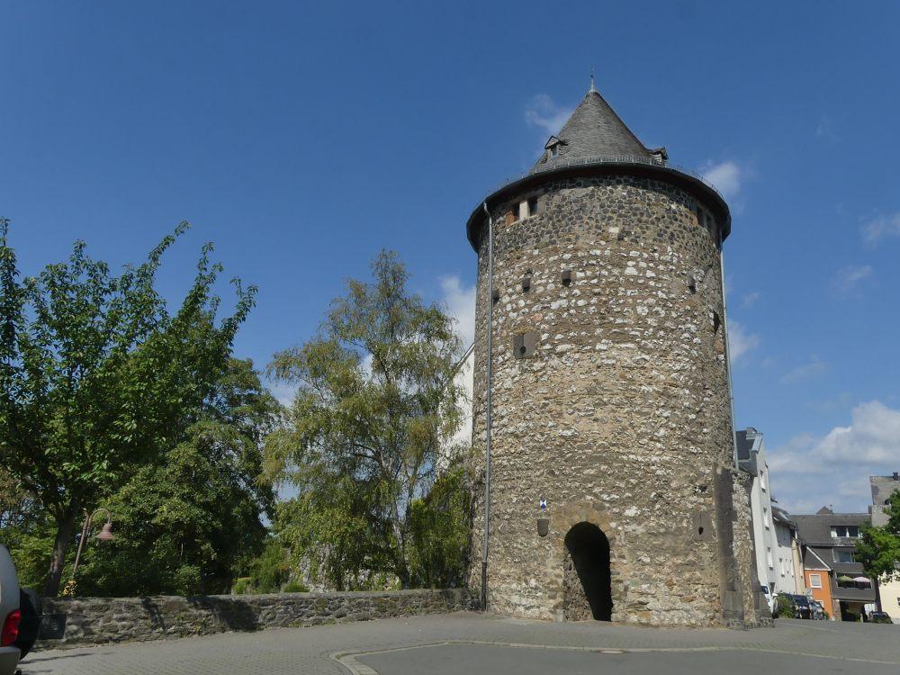 runder Turm der alten Stadtmauer.