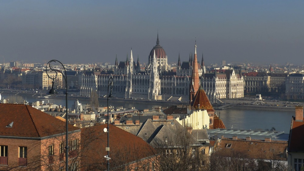 Blick auf das Parlament in Budapest.