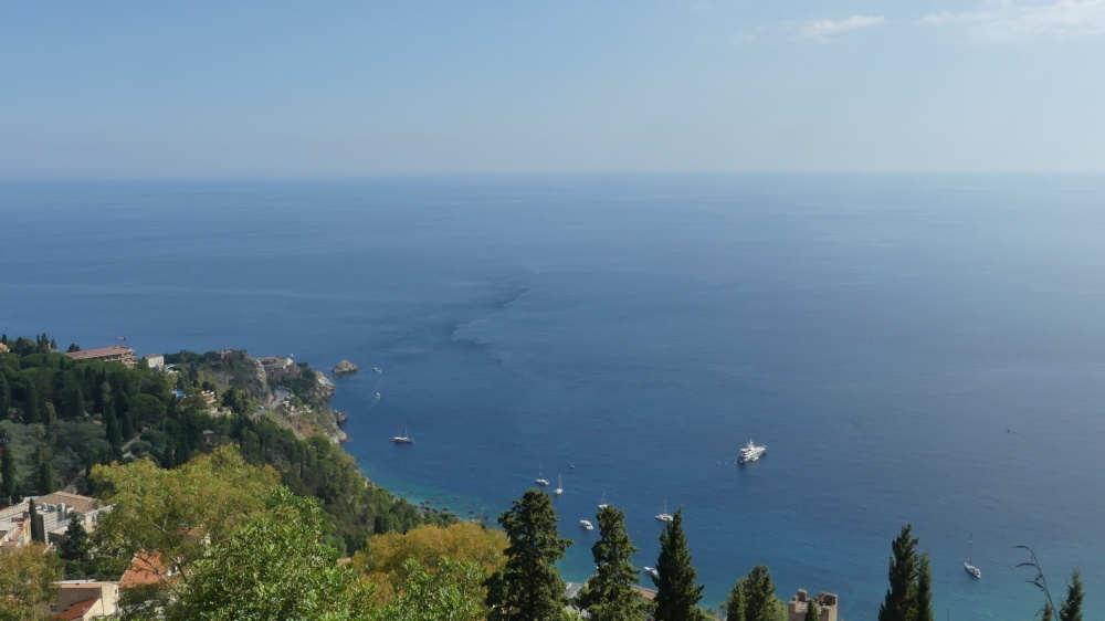 Ausblick auf das Meer bei Sizilien.